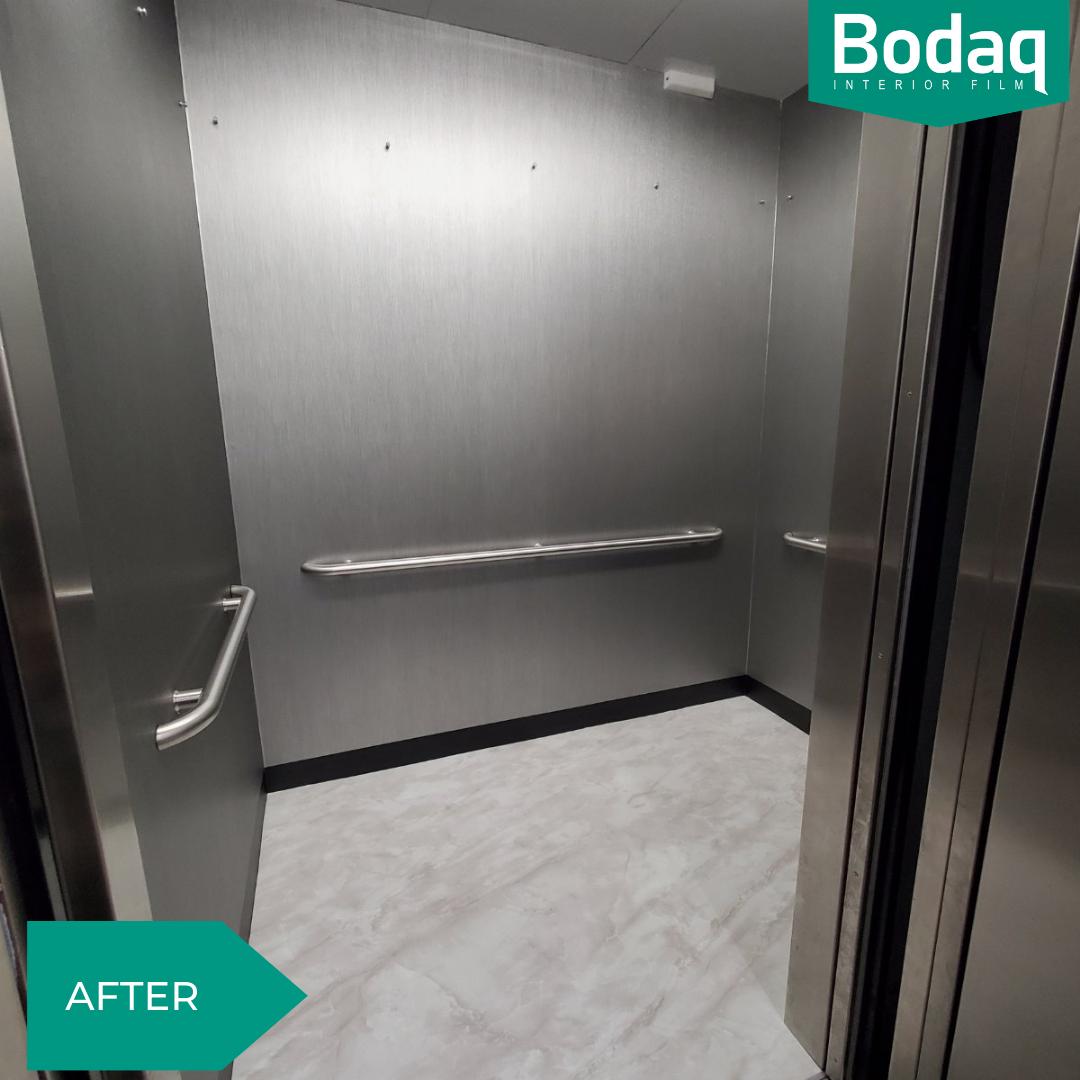 Remise en état de l'enceinte d'ascenseur (panneaux muraux, plafond, et sol) - APRÈS